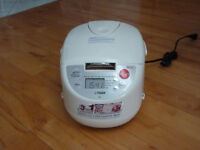 Tiger Rice Cooker, 5.5 cup (costs 160$ new!)