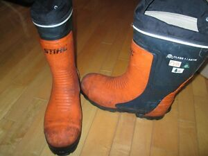 Steel chain saw safety boots
