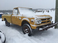 1968 GMC 3/4 ton 4x4 reg cab long box (Orig and hard to find)