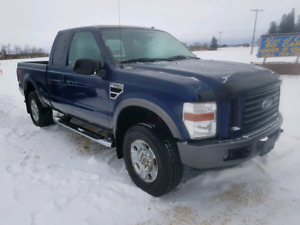 2008 Ford F250 EXT Cab 4WD. 5.4 V8. $10,900..