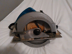 Makita circular saw, skill saw. used but very solid, works great
