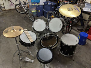 Full set of drums! Give me an offer!