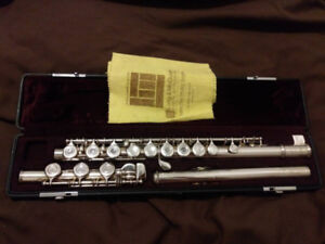 Yamaha Silver Head Flute with Case and Bag