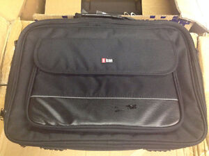 WHOLESALE LOT OF LAPTOP BAGS, BACKPACKS, CAMERA BAGS & MUCH MORE Windsor Region Ontario image 9