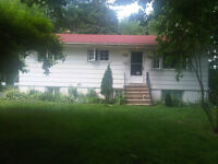 May 1 - Roomates Wanted - Student House - Near Campus & Downtown