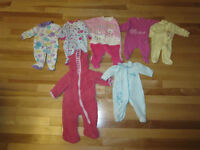 Lot de 7 pyjamas 3 mois 15 $