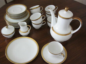 40 pc. Bavarian Dinnerware plus serving dishes