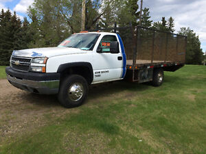 2005 Chev 3500 Durmax Dully with 14 Foot Deck and Cage