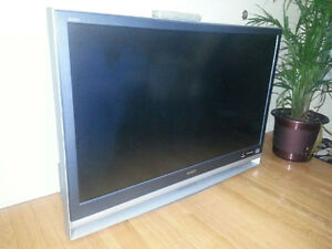 """Sony 46"""" LCD projection TV Cambridge Kitchener Area image 1"""