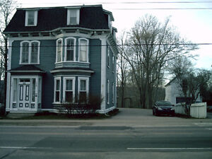 Annapolis Royal 1 Bedroom fully furnished apartment on 1st floor