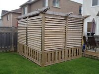 Hot tub Louvered privacy surround