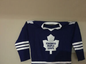 Mint condition leafs jersey