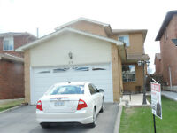 3 BR Detached House for Sale in Brampton.