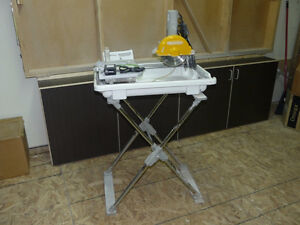 "Wet Tile Saw 7"" Workforce, with folding stand and extra blade Gatineau Ottawa / Gatineau Area image 2"