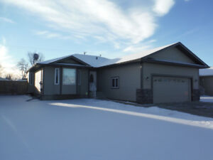Country Living at its Best, Redwater house for rent