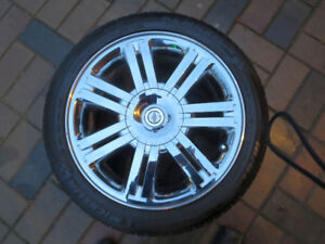 Beautiful  Chrysler Sebring chrome wheels & Tires