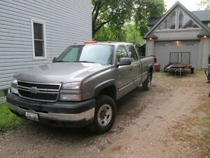 2006 Chevrolet Other CREW CAB LONG BOX Pickup Truck