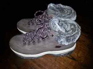 Women's Skechers with Faux Fur size 7