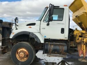 Snow Plowing Trucks - 4x4 - Rear Single Axle