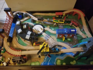 IMAGINARIUM TRAIN TABLE FOR SALE LIKE NEW EXCELLENT CONDITION