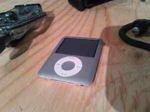 4Gb iPod Nano and Matching H2O Audio gear