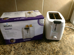 Rival bread toaster