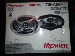 "Pioneer Premier + JL Audio 12"" sub in speaker box + accessories"