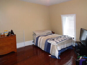 Room for rent Downtown