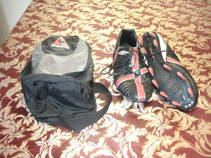 size 13 soccer shoes with bag-STRATHROY