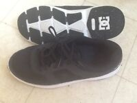 DC sneakers size 7