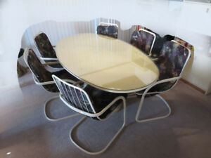 Dining room table, oval Italian design -MUST GO!