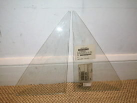 VW Transporter T25 quartlight vent glass
