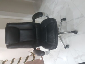 Office leather serta chair