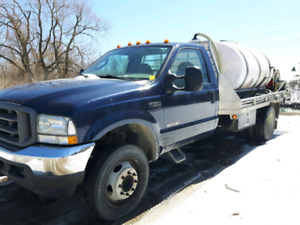 2004 Ford F550  water truck