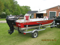 LUND BOAT MOTOR AND TRAILER MINT CONDITION