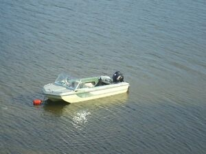 16 FT GLASCON TRI HULL BOAT AND TRAILER