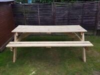 Picnic table/pub bench