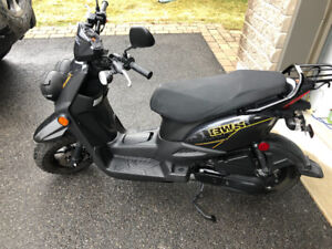 SCOOTER BWS COMME NEUF