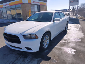 Dodge charger 2012 tres propre