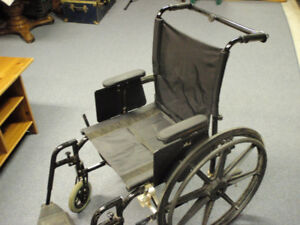 Chaise roulante / wheel chair / fauteuil roulant