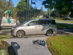 2012 nissan Quest, 94K Km new leather