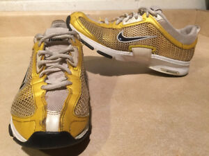 Women's Nike Zoom Running Shoes Size 7.5