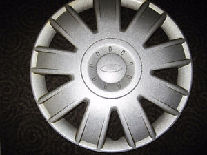 """Ford hubcap 16"""""""