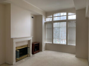 Unfurnished 1Bed&1Bath in Shared Oakridge Condo for April
