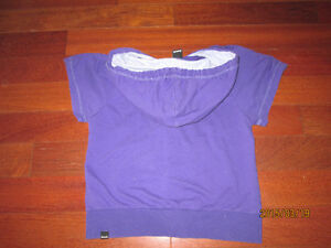 Bench hoodie Size small periwinkle Kitchener / Waterloo Kitchener Area image 2