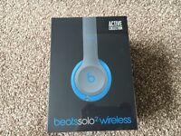 NEW Beats Solo2 Wireless Headphones Flash Blue