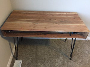 FOR SALE: Wooden Desk