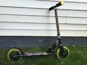 Kids scooter 25$
