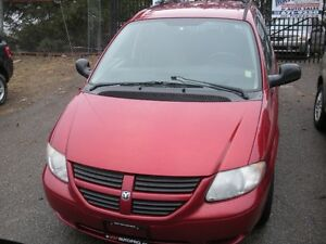 2005 Dodge Caravan Wheelchair Lift Minivan, Van