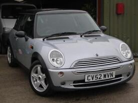 Mini Cooper 1.6 - Air Conditioning - Alloy Wheels - Metallic Silver